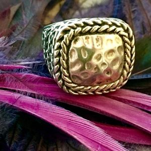 Jewelry - Beautiful Braided & Hammered 18kWGF Ring